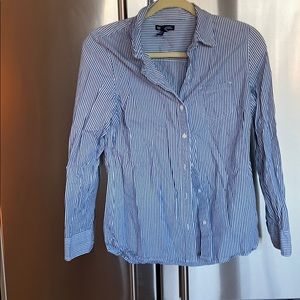 EUC GAP BOYFRIEND FIT BUTTON DOWN